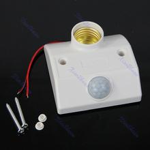 sensor de movimiento infrarrojo automático de luz bombilla de la lámpara expositor titular interruptor blanco envío gratis(China (Mainland))