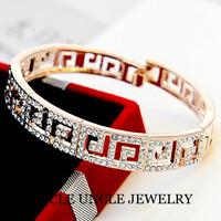 Brand Design 18K Gold Plated Austrian Rhinestones Inlays Paved G Retro Rome Style Lady Bangle Bracelet Wholesale