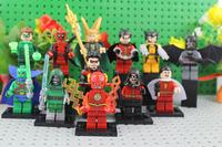 Super Heroes Figures Toy 12pcs/lot The Avengers Toy Batman Deadpool Robin Green Lantern Flash Fighter Action Figures
