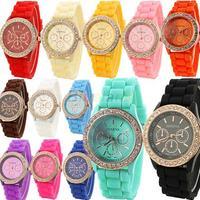 2014 Fashion Geneva Wristwatch Vintage Golden Crystal Rhinestone Watches Silicone Strap Quartz Wrist Watch for Ladies Women 06G1