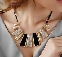 2014 fashion Women Vintage Collar Necklaces & Pendants Girl's Sweaters Accessories- Nightclub Gueen Valentine's Day gift