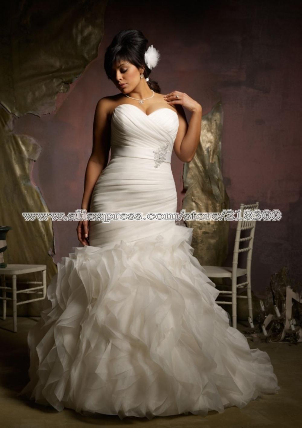 size wedding dress brush train sweetheart pleated full figured bridal