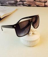 The Newest Style Sunglass Oculos De Sol Feminino Men Sunglass Fashion Popular Big Glasses With Elegant Design Gafas De Sol Women