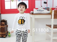 Free shipping 2014 new boys and girls long sleeve o-collar T-shirt in Spring and Autumn