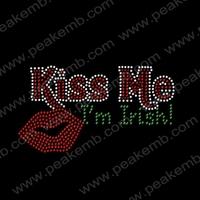 50Pcs/Lot Free Shipping Kiss Me I Am Irish Custom Rhinestone Motif Strass Design St. Patrick'S Day Iron On Transfer