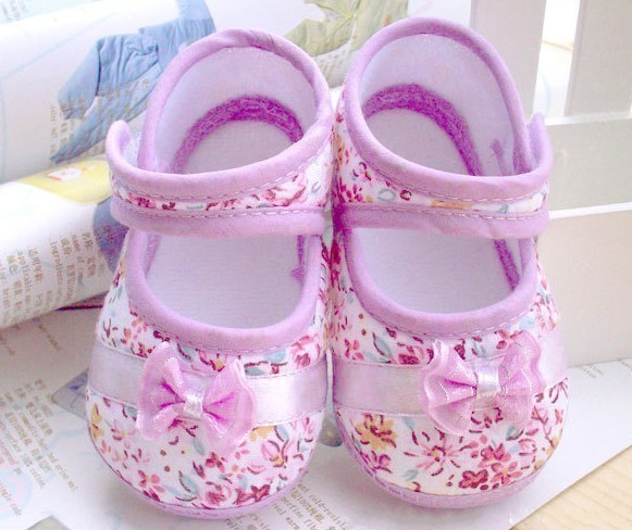 Retail free shipping 2013 Girls flowers bow baby toddler shoes 11cm 12cm 13cm spring autumn children footwear first walkers(China (Mainland))