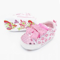 Retail The latest handmade beads ribbon soft bottom baby shoes,Top selling lovely pink prewalker shoes,Free shipping