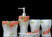 Hot-selling home rustic bathroom accessories rose garden five pieces bathroom set resin bathroom set