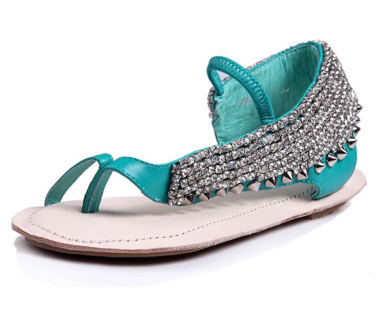 Medium-large meters 2014 rhinestone rivet sheepskin flip flat heel sandals genuine leather toe-covering flat sandals(China (Mainland))
