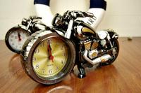 Fashion cartoon motorcycle alarm clock, ABS pointer Silent Alarm clock