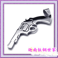 free shipping Hot-selling fashion male necklace pendant pistol pendant titanium steel pendant gift