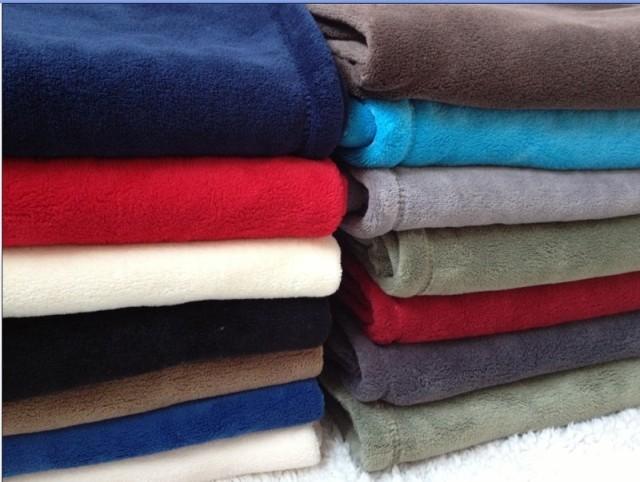 Pet blanket dog thermal coral fleece wool blanket knee blanket kennel8 blanket pad double faced velvet(China (Mainland))