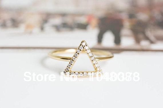 2014 hot selling fashion Free Shipping Crystal diamond Triangle Ring Punk Cool Finger Rings(China (Mainland))