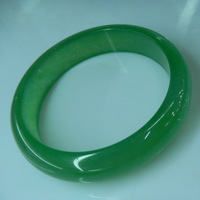 Natural hetian jade green bracelet ladies wear a certificate of authenticity