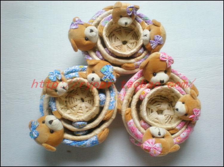 free shpping! cute Corn husk woven bear basket storage basket price for a set of three(China (Mainland))