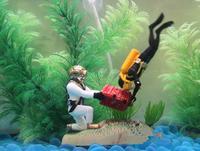 Aquarium Decoration Treasure Chest Frogman Resin Ornament Fish Pond Tank Reptile Decor 11x6x9cm
