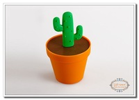 Free Shipping 15 piece Potted Cactus Toothpick Box Novelty Toothpick Holders