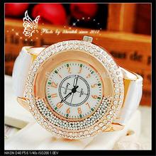 New Mulheres Moda Rhinestone Relógios Senhoras vestido Quartz Relógio de pulso de couro Strap Watch pulseira colorida Relógio QZ3423(China (Mainland))