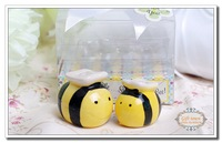 "Free shipping 12piece=6set Creative ""Mommy and Me Sweet as Can Bee "" Ceramic Honeybee Salt and Pepper Shakers Wedding Favor"