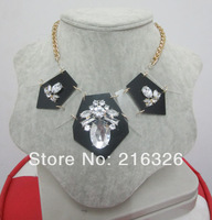 Free shipping*fashion and new gold twist chains white/black acrylic pendant crystal flowers statement chokers luxury necklace