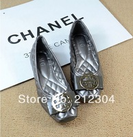 Hot's Europe models metal buckle lozenge bowtie metal square head soft bottom flat shoes large size 35-41 Free shipping