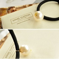 (Our min Order Amount is USD15 ,Can mix order)Free shipping fashion big white pearl hair ties