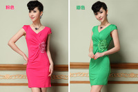 2014 the European and American lady pure color v-neck three-dimensional embroidery waist knitted dress