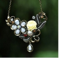 A373 high quality white crystal long necklace fashion creative women adorn article  delivery  of charge