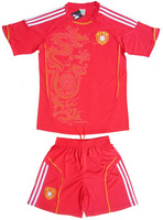 Homecourt red football clothing 13 - 14 jersey set large