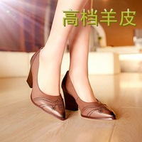 Fashion cutout 2014 vintage decorative pattern pointed toe women's shoes thick heel sheepskin flats-heeled single shoes