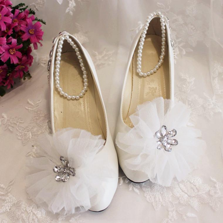 (3cm heel) Newest 2015 Spring summer bridal shoes aesthetic princess gauze rhinestone pearl beads bandage white wedding shoes(China (Mainland))