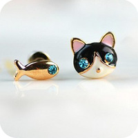 2015 Accessories Women Kitten Dollarfish Blue Rinestone Stud Earring