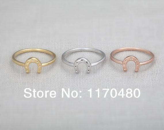 Horseshoe Engagement Ring Images