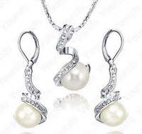 free shipping Wholesale 2pcs jewelry Two sets Bridal women's 18K White Gold Plated Use crystal sea Pearl Necklace Earring Set