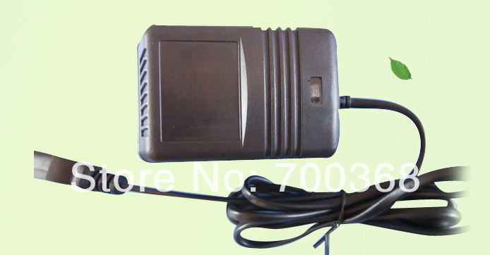 high quality 1.8meter cable 12v electric sprayer charger emergency power supply solar battery 1pcs/lot free shipping(China (Mainland))