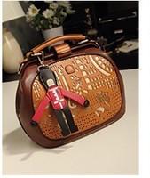 Free shipping 2014 new fashion wild temperament ladies handbag shoulder diagonal women messenger bags--037