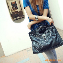 New 2014 PU leather handbag leisure bag retro skull rivets decorative portable shoulder bag(China (Mainland))