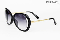 wholesale and retail PC lens Polarized Women sunglasses sungless Uv protection Fasion, Noble and Elegant eyewear/spectacles F217