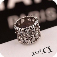 2014 New Fashion Vintage Crow Heart Alloy Antique Silver Color Hollow Out Cross Finger Ring