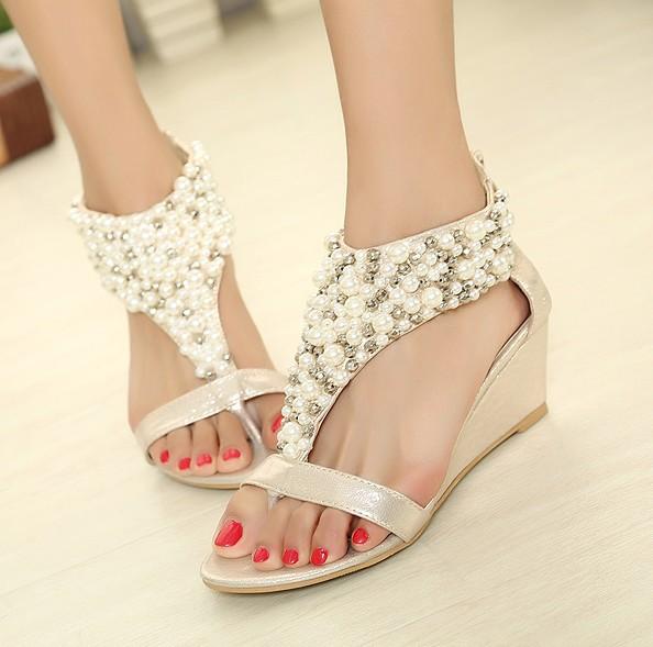 Bohemia T-cinta das Mulheres Sandals Beads Faux Pérola Jóias Rhinestone New Wedge Cristal Voltar Zip-Up PU Boho Shoes(China (Mainland))