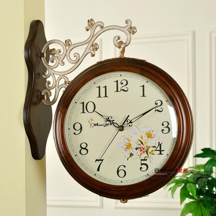 wohnzimmer uhren modern:Double Sided Wall Clock ~ wohnzimmer uhren modern