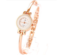 Rose Gold Charm New Women Fashion Watch Shining Bracelet Elegant Bangle Wrist Watches