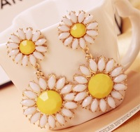 Min order is $10(mix order)Europe&America Style Vintage Gorgeous Sun Flower Daisy Earrings Jewelry For Women drop earringEH554