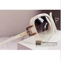 2013 glasses high quality goods shopmen Women sun glasses sunglasses jade white big box