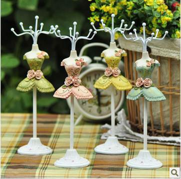 jewelry rack,ring holder, rose girl jewlery stand, jewlery holder,iron Ornaments arts(China (Mainland))