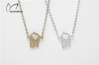 2014 New Wholesale 10 pcs/lot Fashion Gold Silver Loving Giraffes Necklace Pendant for girl Free Shipping