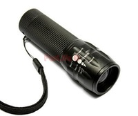 High Power Torch Zoomable LED Flashlight Torch light outdoor lighting 3 * AAA Batteries 1pc