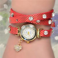 Promotional Most Popular Hawaiian Style Fashion Love Heart Leaf Rose Moon Star Pendant Woman Long Leather Quartz Watch