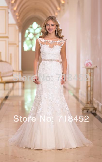 Vestido de Noiva Curto Sereia com Renda