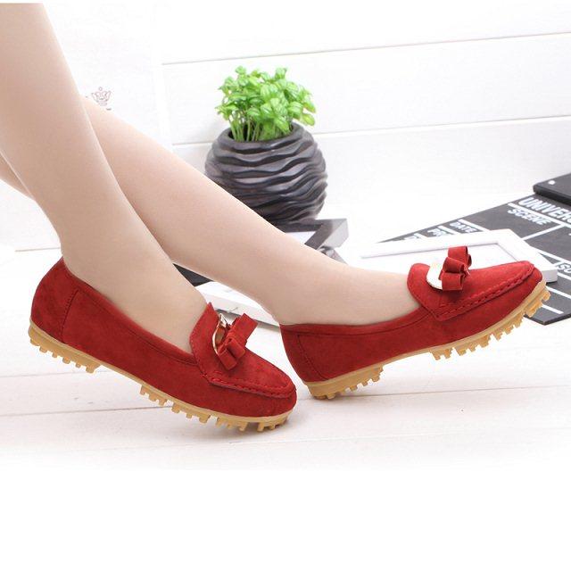 A mãe enfermeira sapatos documentário plana bovina sola muscular couro sapatos casuais(China (Mainland))
